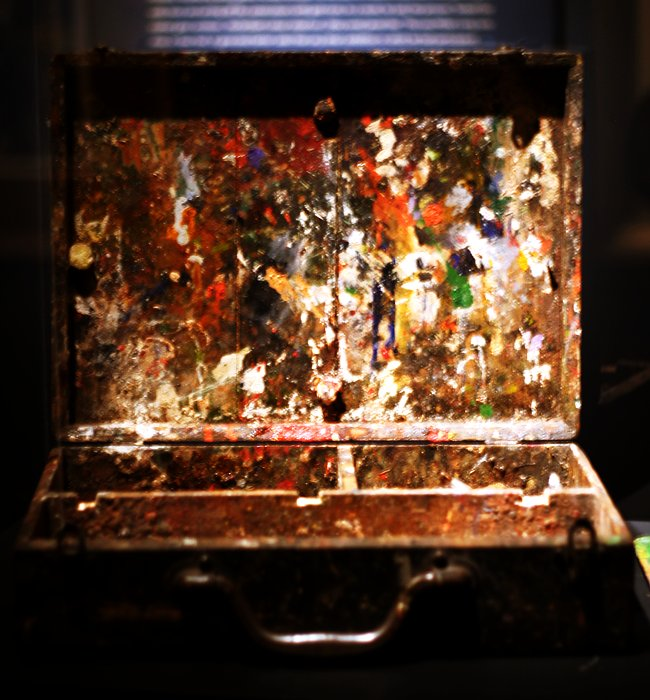David Milne paint box    (click for previous picture)