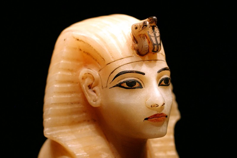 King Tut - Canopic lid    (click for previous picture)
