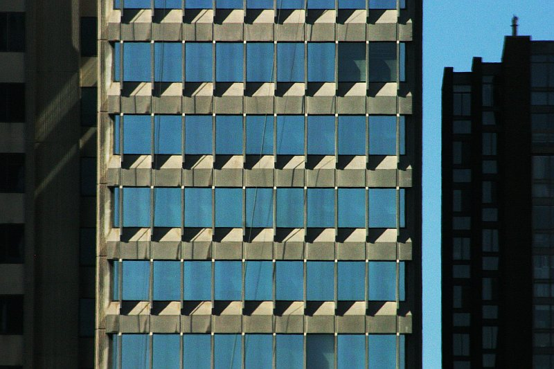 Blue grid building    (click for previous picture)