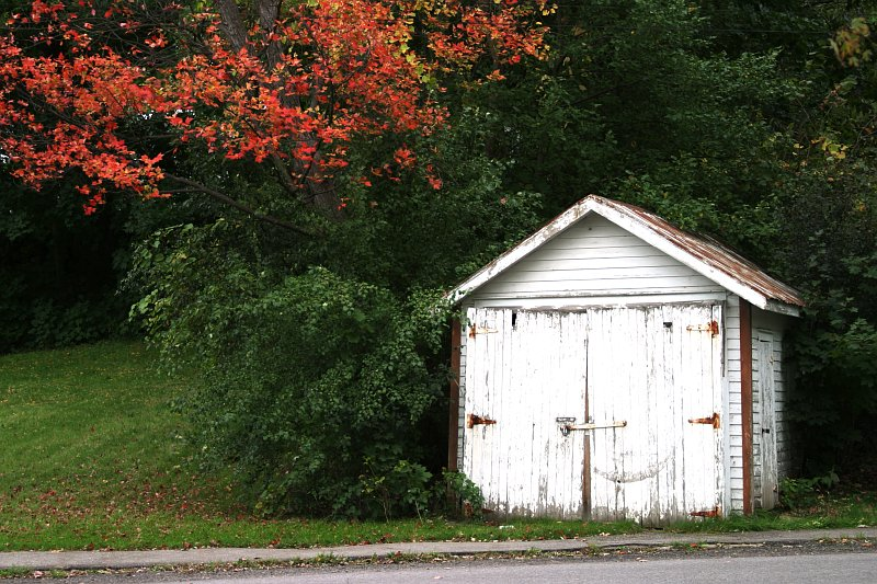 Napanee shed    (click for previous picture)