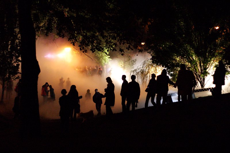 Nuit Blanche Fog    (click for previous picture)
