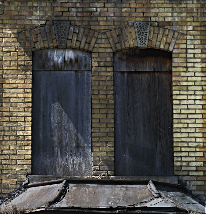 Once was windows    (click for previous picture)
