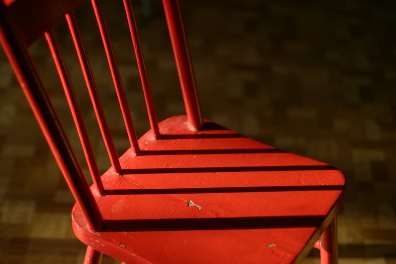 Red chair in later afternoon light    (click for previous picture)
