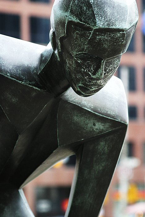Statue stare    (click for previous picture)