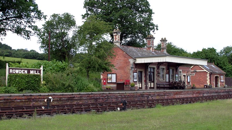 Rowden Mill train station    (click for previous picture)